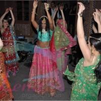Hint Müziği ile Kına Girişi